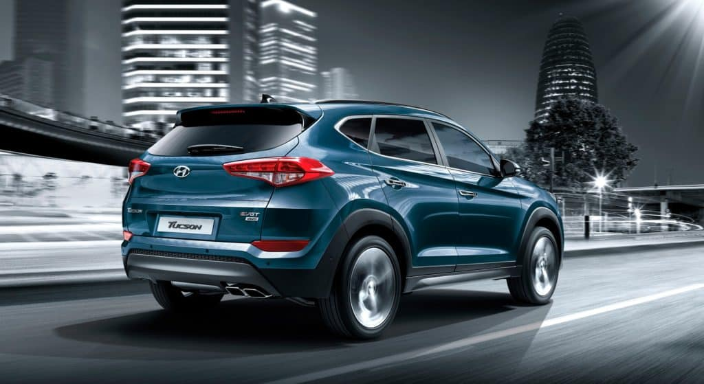 Features wraparound tail lamps inspired from Santa Fe