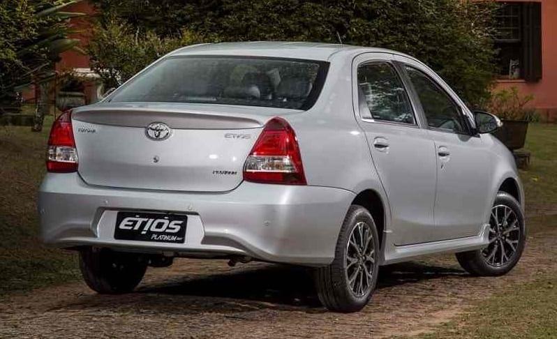 2016-toyota-etios-platinum-facelift-98