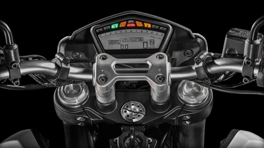 Digital Instrumentation of Hypermotard 939