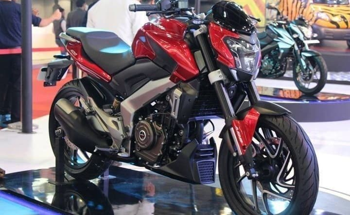 bajaj-cs400-motorcycle