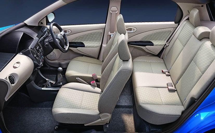 dual-tone-etios-liva-interior_827x510_mj