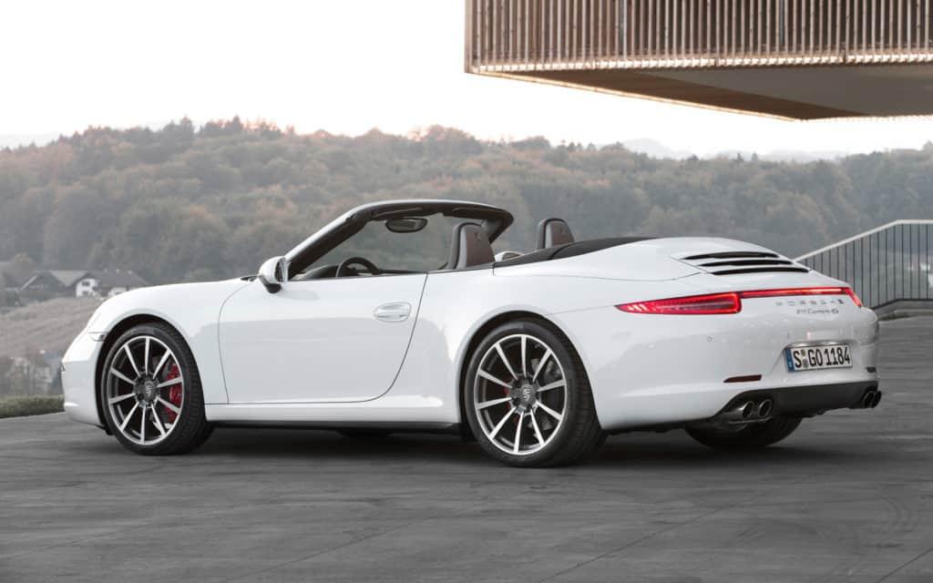 2013-Porsche-911-Carrera-4S-Cabriolet-white-emission