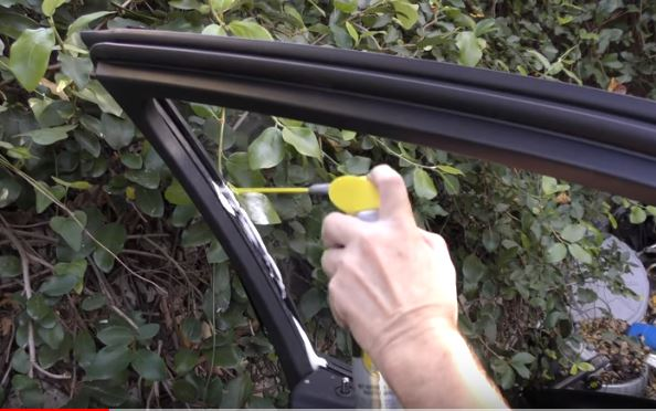 Spray some silicone spray to lube the car window track