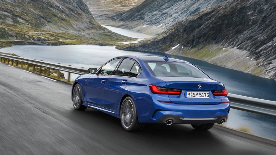 2019 Bmw 3 Series Revealed Coming To India Next Year Video